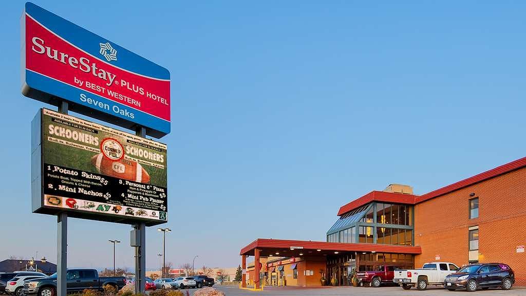 SureStay Plus Hotel by Best Western Seven Oaks - Vista exterior