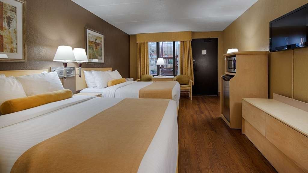 SureStay Plus Hotel by Best Western Seven Oaks - Sink into our comfortable beds each night and wake up feeling completely refreshed.