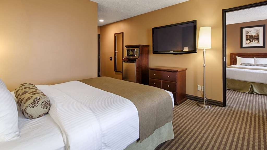 SureStay Plus Hotel by Best Western Seven Oaks - Your comfort is our first priority. In our two bedroom suite, you will find that and much more.