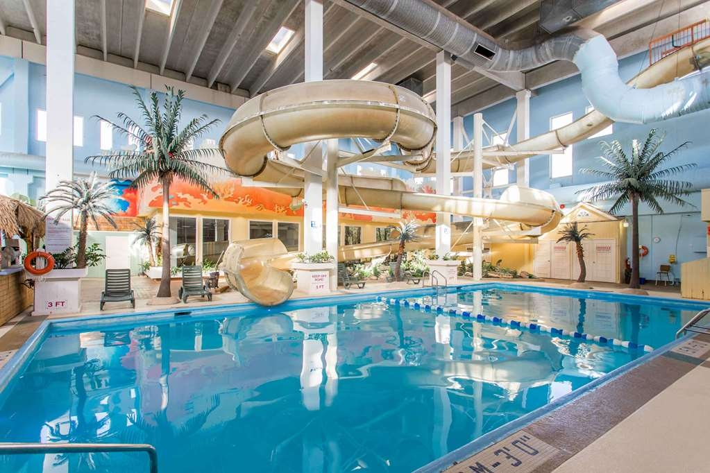 SureStay Plus Hotel by Best Western Seven Oaks - Stay in shape by swimming laps, cool off with a refreshing dip, or just splash around in our indoor pool.