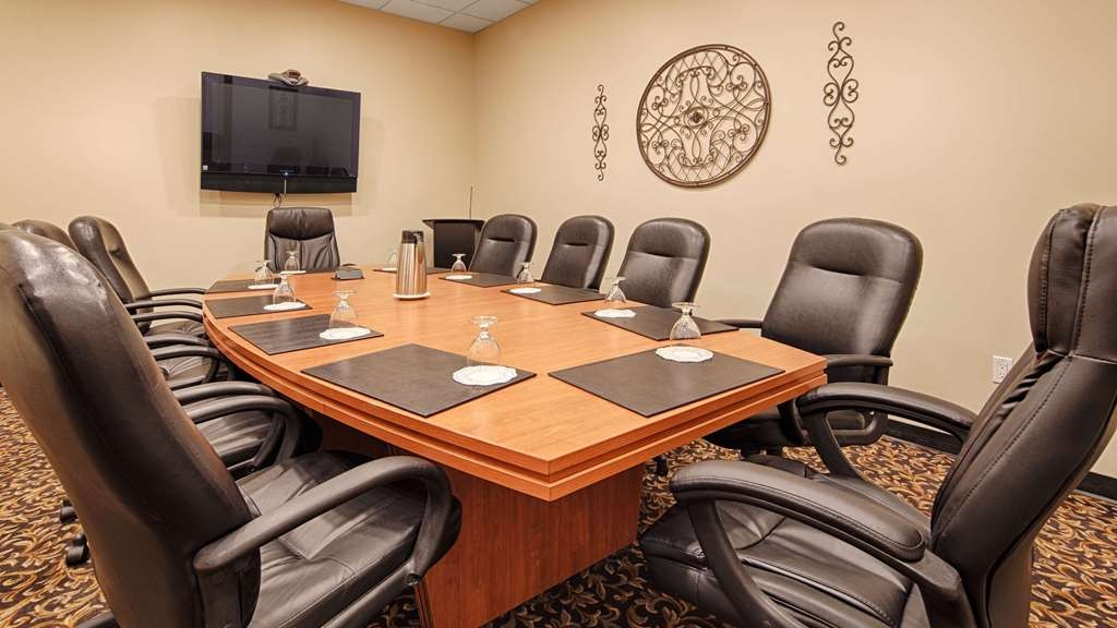SureStay Plus Hotel by Best Western Seven Oaks - Need to schedule a meeting for business? We have space available for you and your clients.