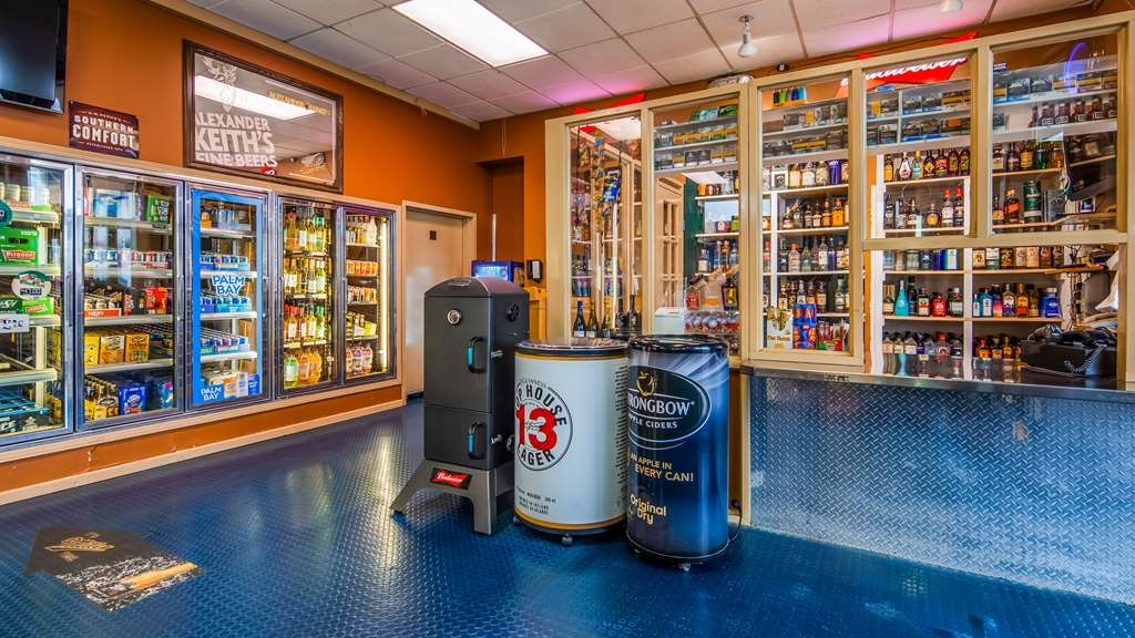 SureStay Plus Hotel by Best Western Seven Oaks - If your craving a snack don't worry we've got you covered at our onsite convenience store.