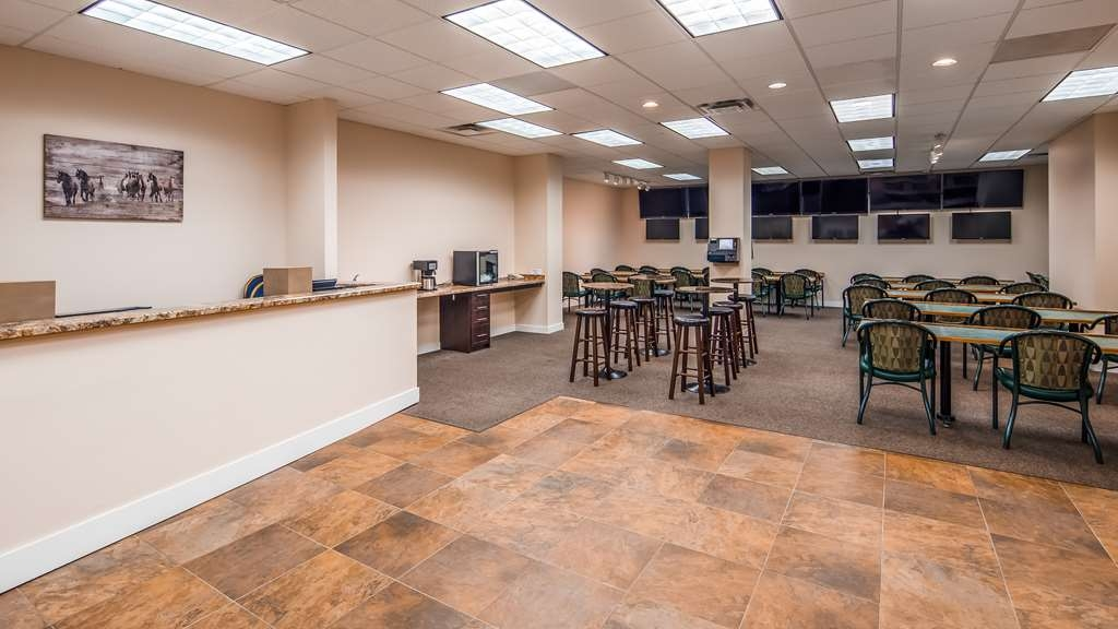 SureStay Plus Hotel by Best Western Seven Oaks - Whether you're here for business or leisure, our staff is committed to giving you a pleasant stay.