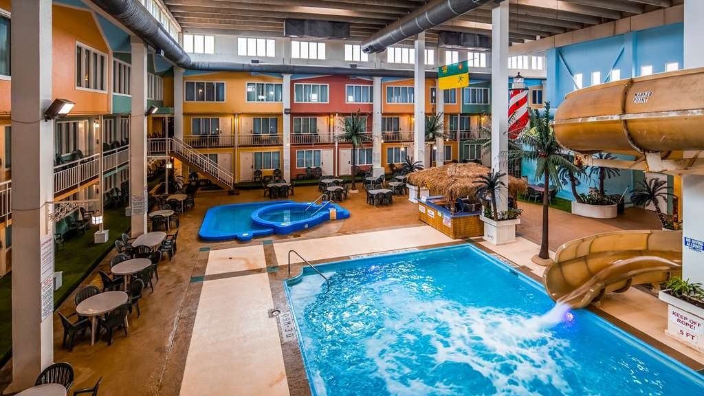 SureStay Plus Hotel by Best Western Seven Oaks - You'll immediately feel the beneficial effects on both your body and mind in our onsite indoor pool!