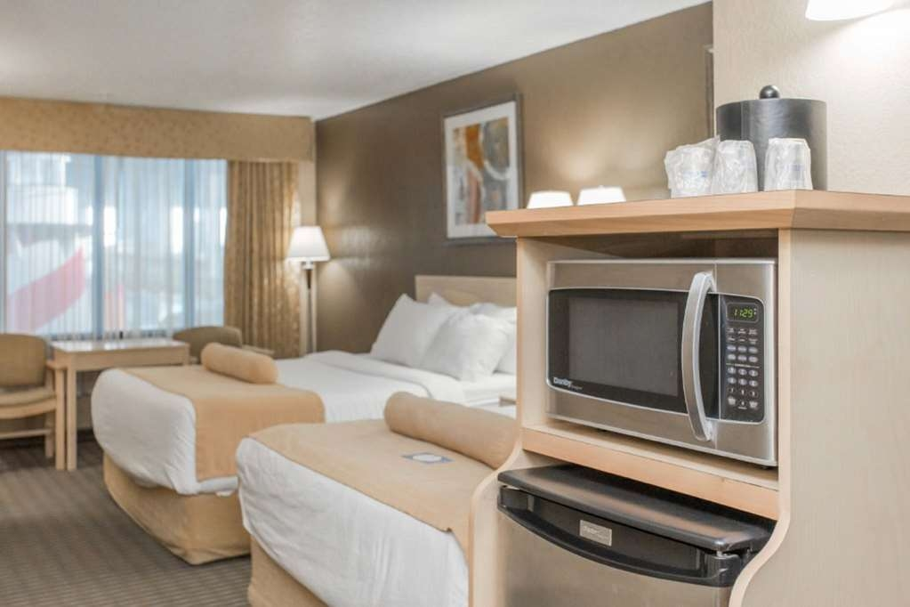 SureStay Plus Hotel by Best Western Seven Oaks - This 2 queen bed features pool access, microwave, refrigerator, flat screen TV and free Wifi.