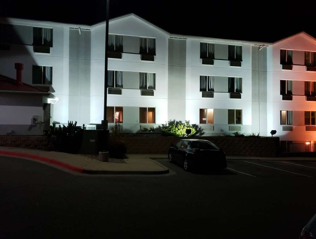 SureStay Plus by Best Western Thornton Denver North - No matter what time of day we look forward to your arrival.