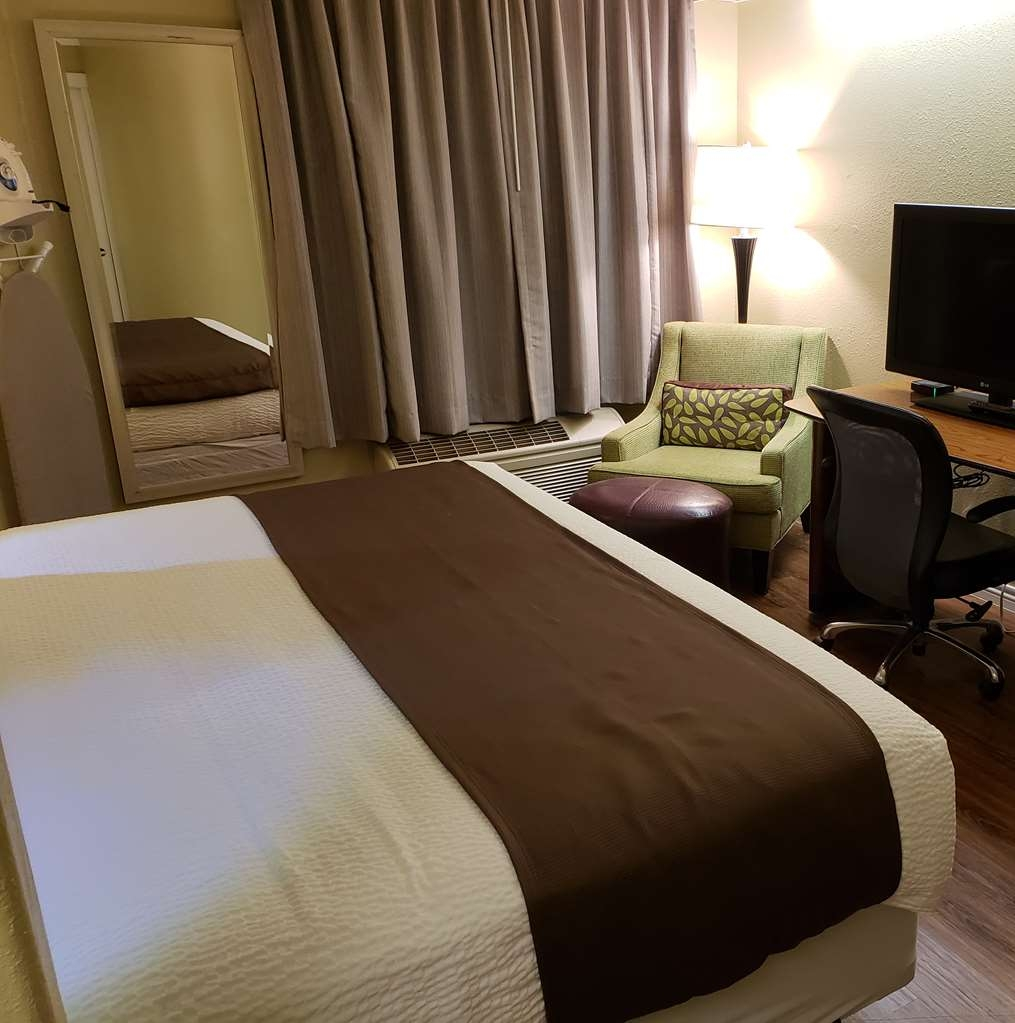 SureStay Plus by Best Western Thornton Denver North - We offer a variety of king rooms from standard to mobility accessible.