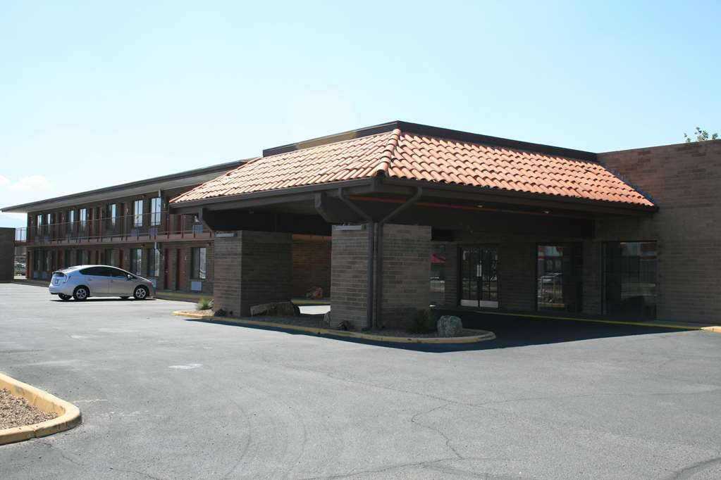 SureStay Plus Hotel by Best Western Willcox - Façade