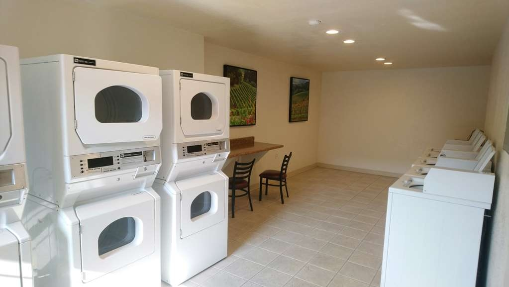 Best Western Inn - Our spacious laundry room for guests.