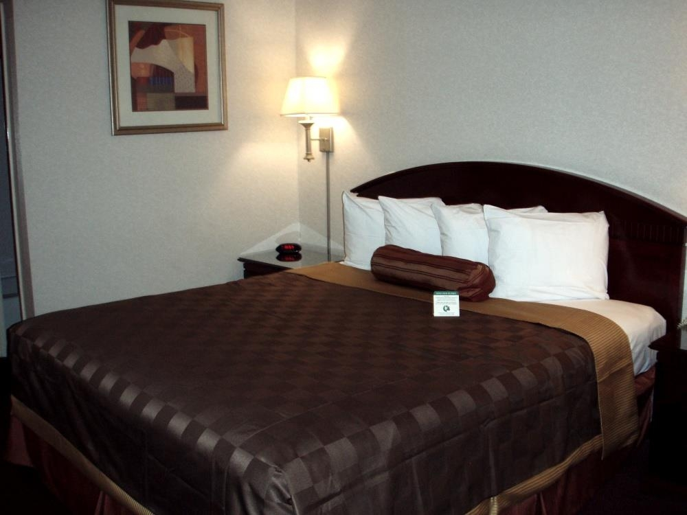 Best Western Pasadena Inn - King Guest Room