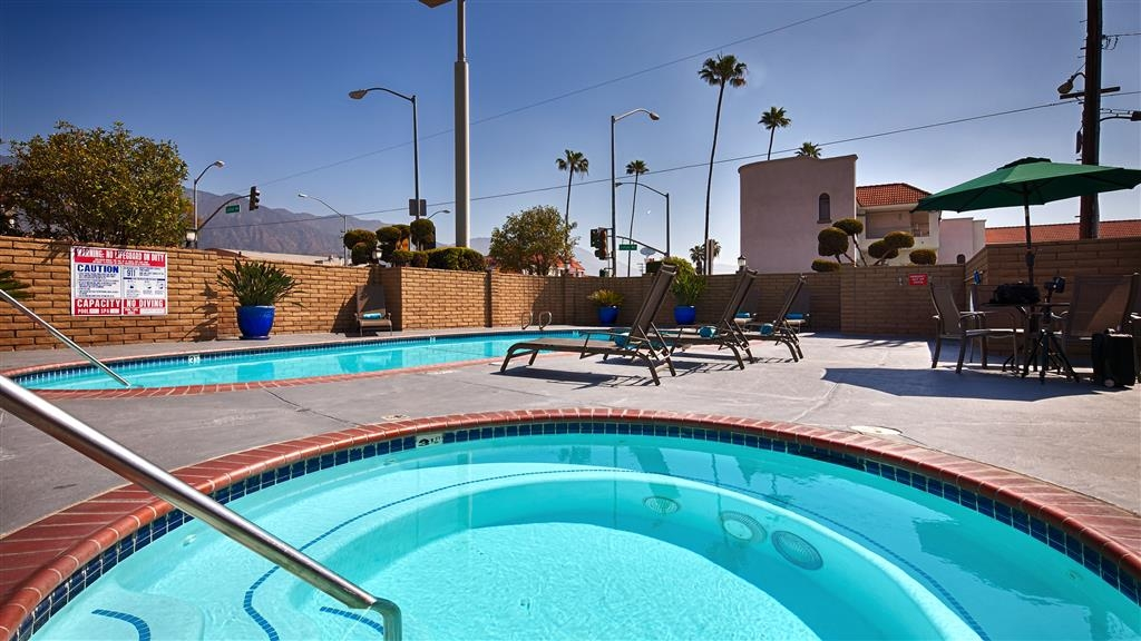 Best Western Pasadena Inn - There's nothing like a relaxing dip in our hot tub after a long day.