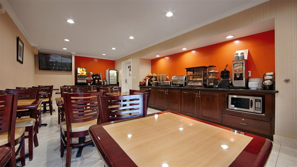 Best Western Pasadena Inn - Join us every morning for a variety of your favorite morning treats.