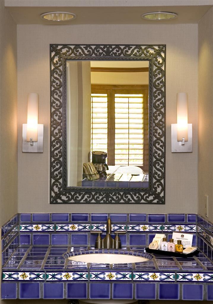 Best Western Plus Island Palms Hotel & Marina - Tocador de baño