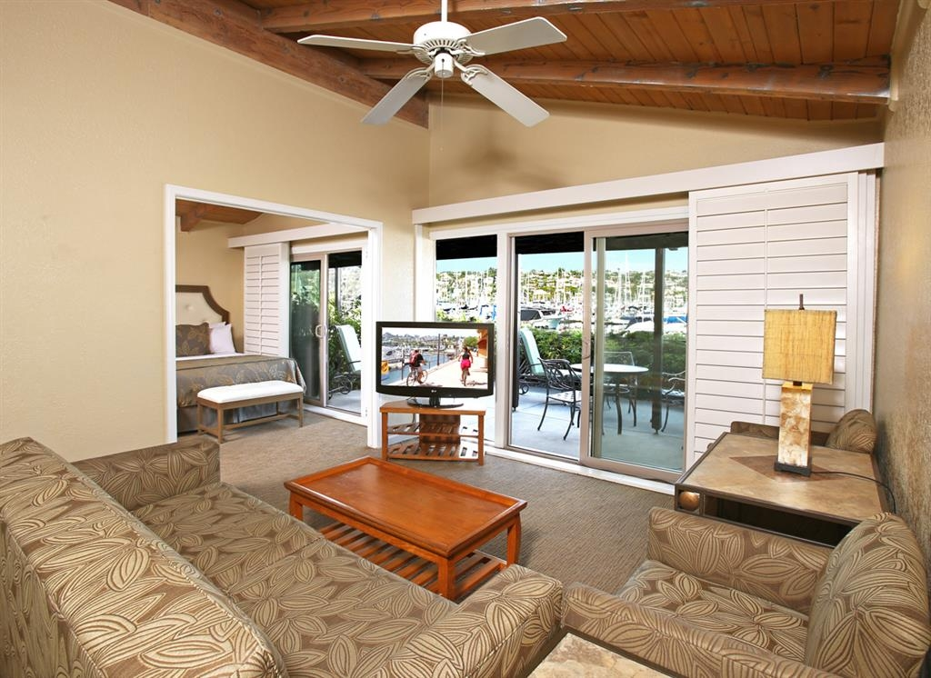 Best Western Plus Island Palms Hotel & Marina - This spacious suite boasts a separate bedroom with one king or two queen beds, full kitchen, living room with queen sofa sleeper.