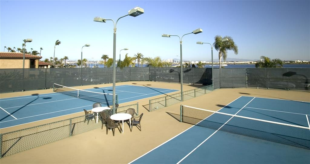 Best Western Plus Island Palms Hotel & Marina - Exercise outdoors with our two tennis courts with complimentary racket and ball rental.