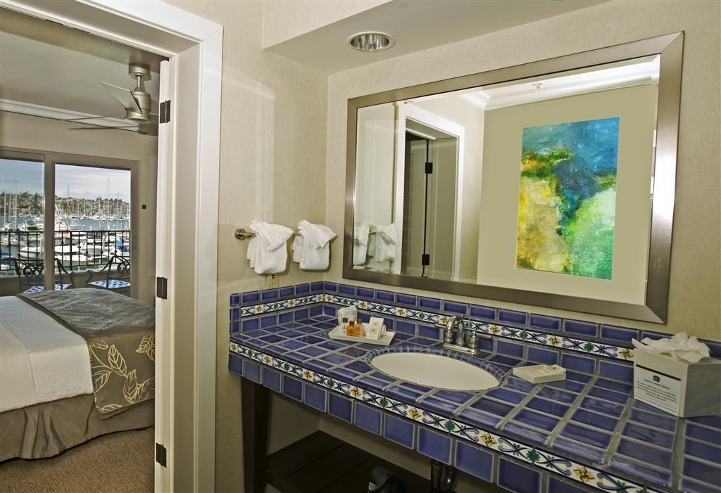 Best Western Plus Island Palms Hotel & Marina - Villa Master Bath Vanity