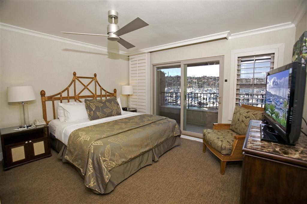 Best Western Plus Island Palms Hotel & Marina - Villa Master Bedroom