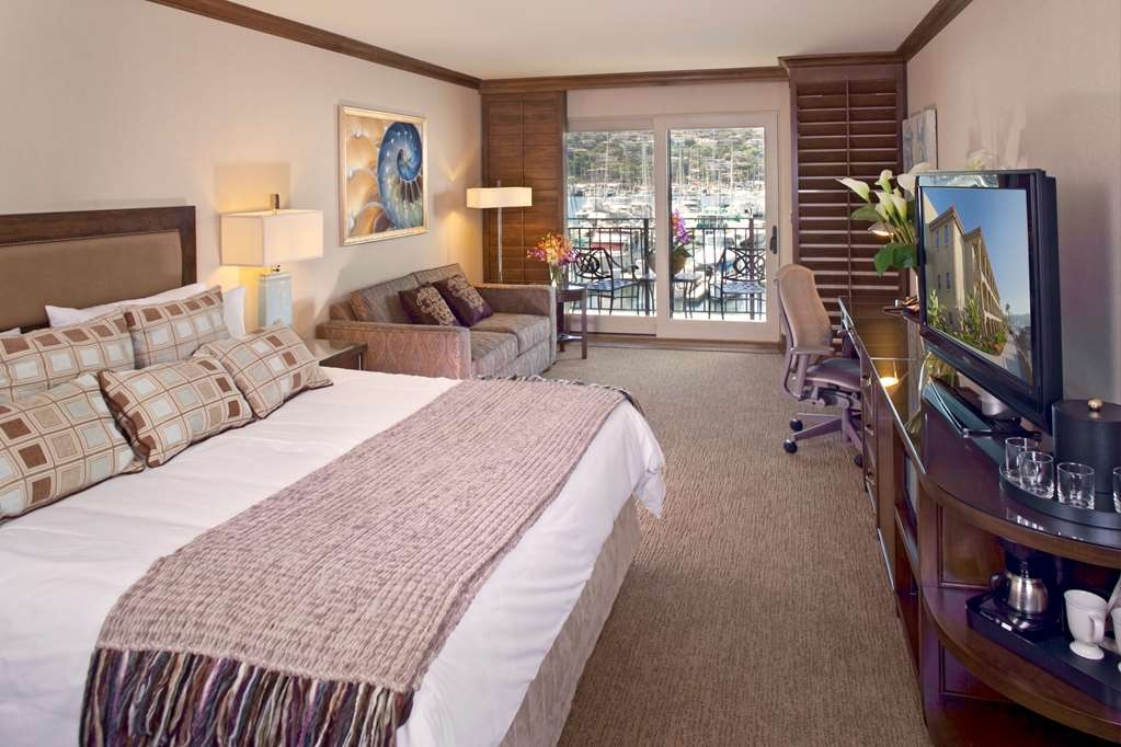 Best Western Plus Island Palms Hotel & Marina - Step out on your private patio or balcony, breathe in the sea air, and soak up views of the San Diego Bay.