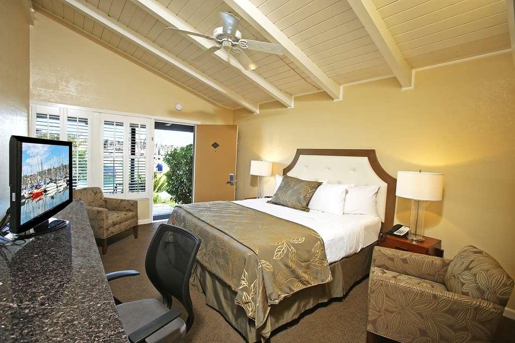 Best Western Plus Island Palms Hotel & Marina - Marina View, 1 King Bed