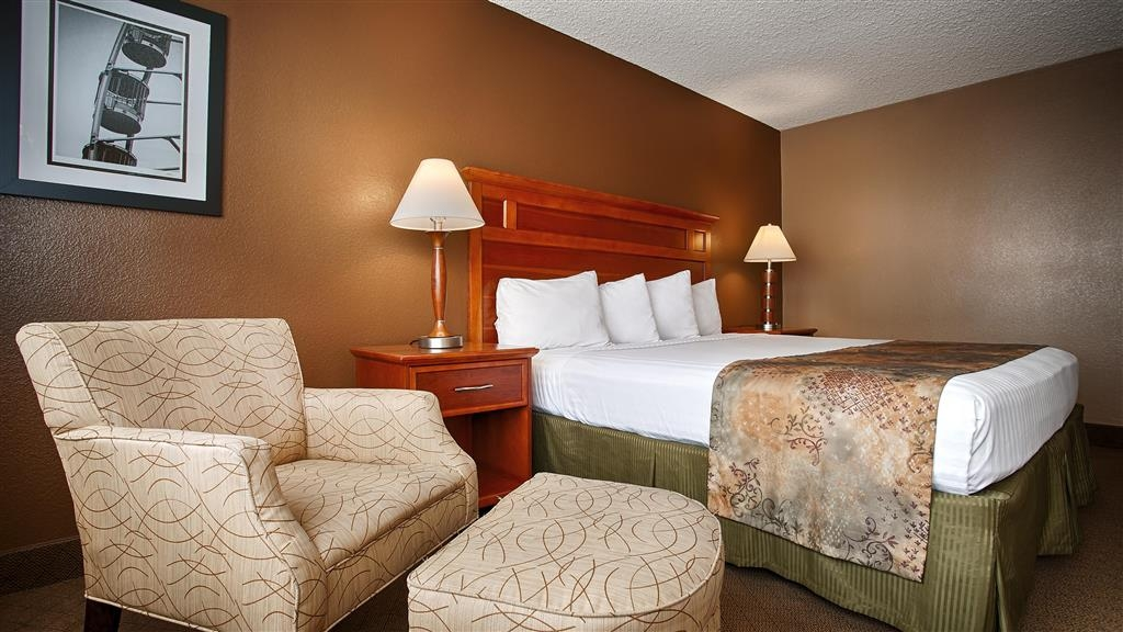 Best Western Valencia Inn - Sit back and relax... you've made it!