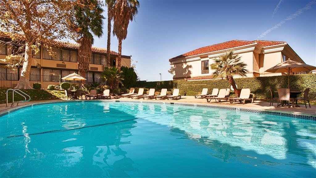 Best Western Valencia Inn - Piscina