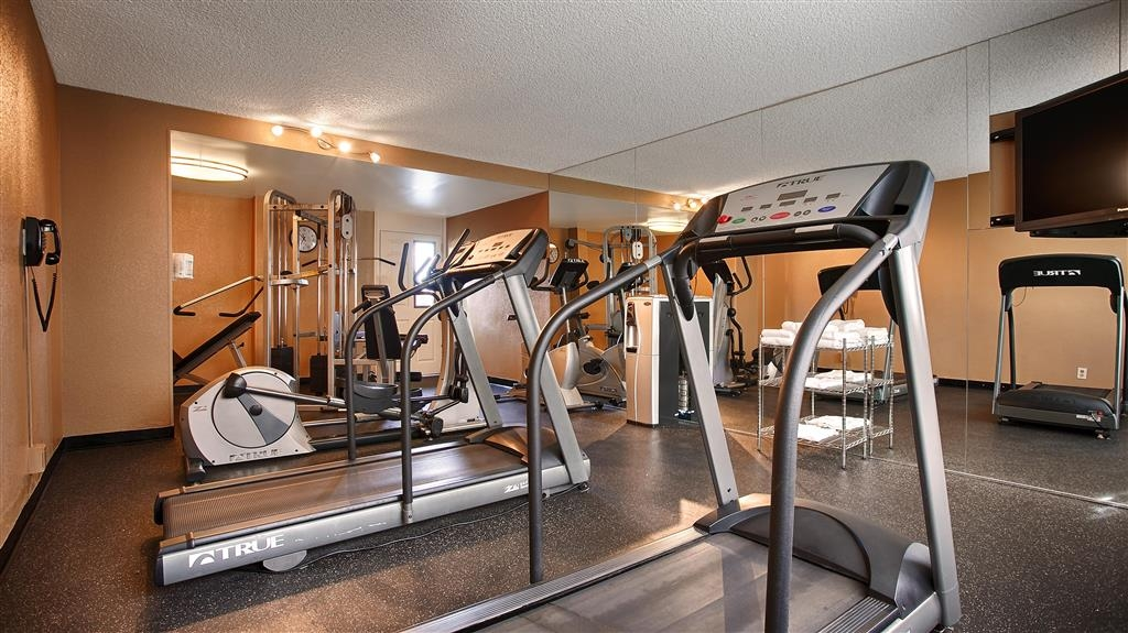 Best Western Valencia Inn - Work up a sweat at our fitness center.
