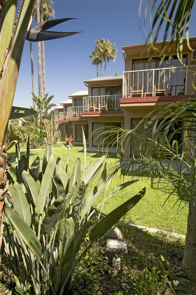 Best Western Pine Tree Motel - Guest Balconies