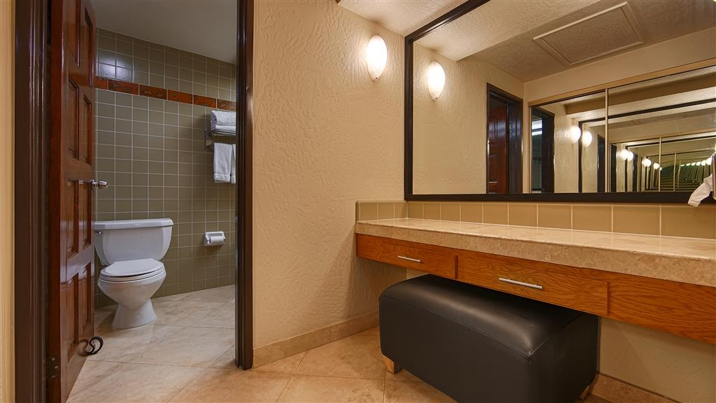 Best Western Pine Tree Motel - Baño
