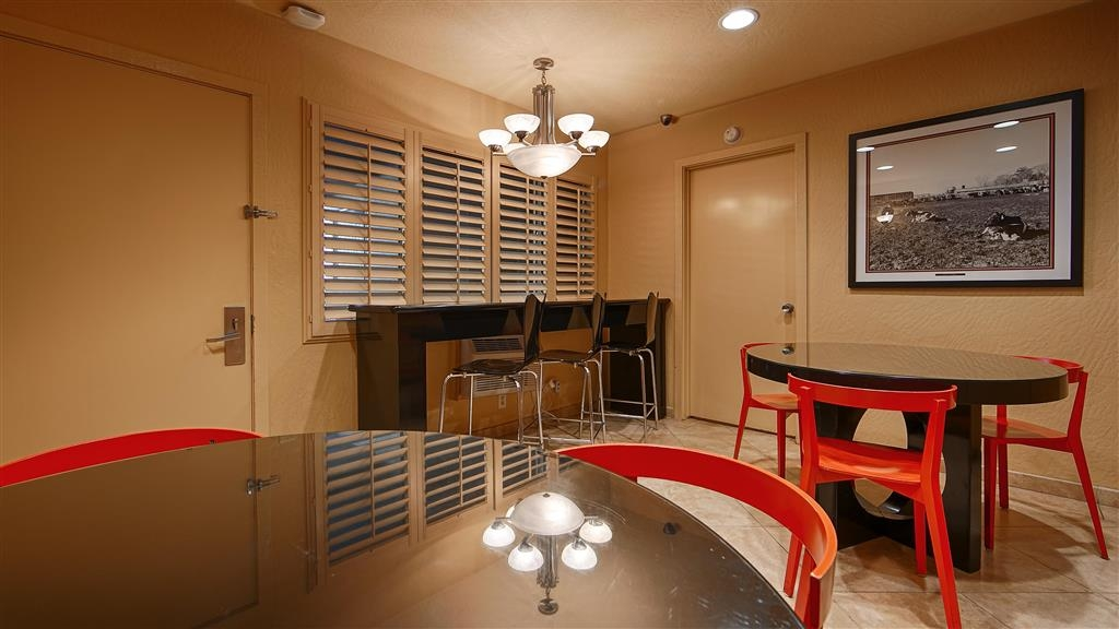 Best Western Pine Tree Motel - Desayuno Buffet