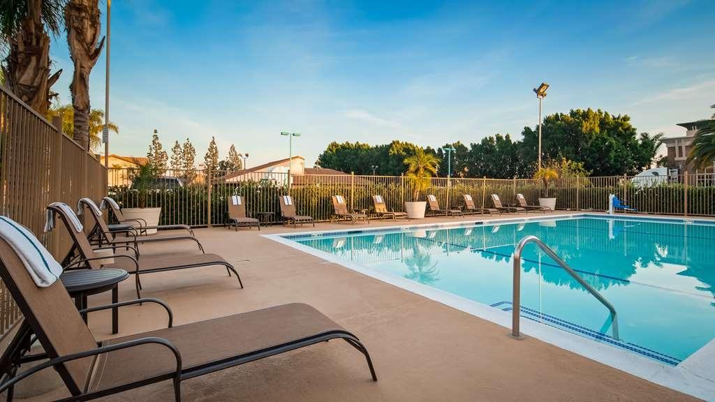 Best Western Plus Ontario Airport & Convention Center - Vue de la piscine