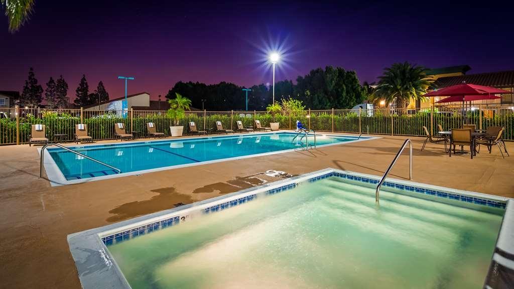 Best Western Plus Ontario Airport & Convention Center - Vista de la piscina