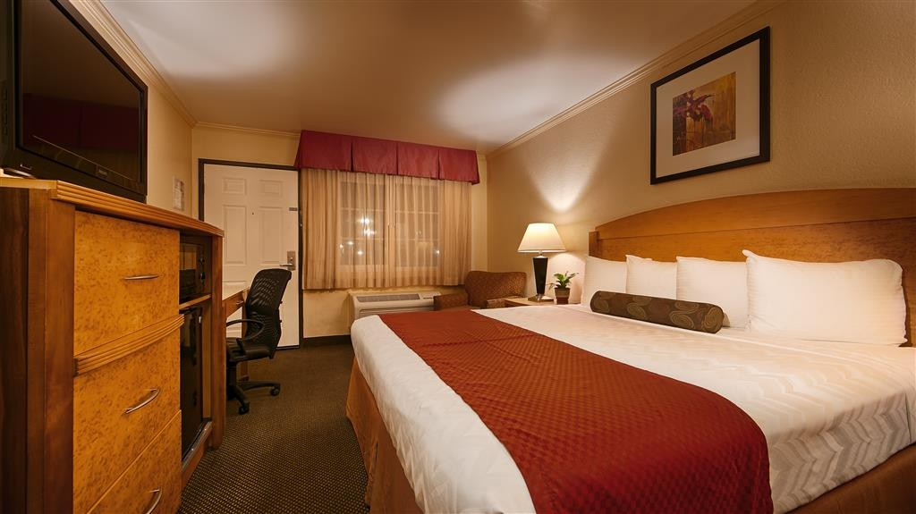 Best Western Plus Ontario Airport & Convention Center - Camera