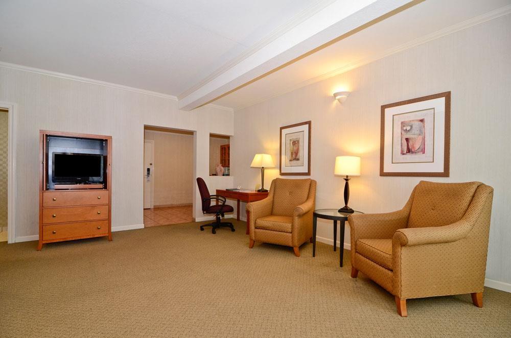 Best Western De Anza Inn - Gästezimmer/ Unterkünfte
