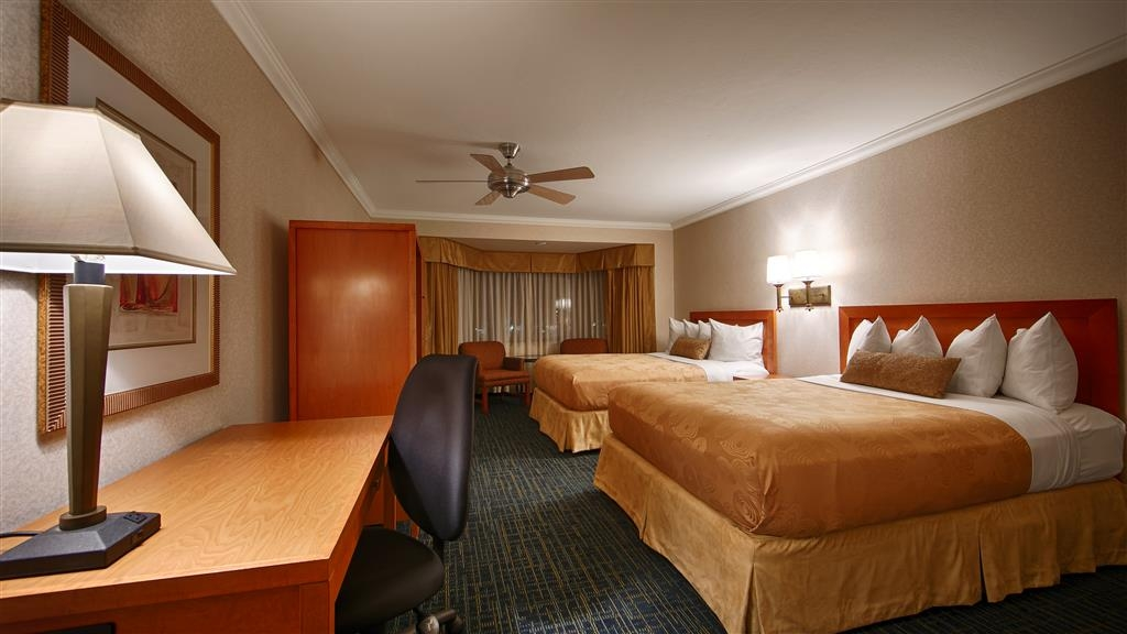 Best Western De Anza Inn - Our double queen guestrooms are great for families.