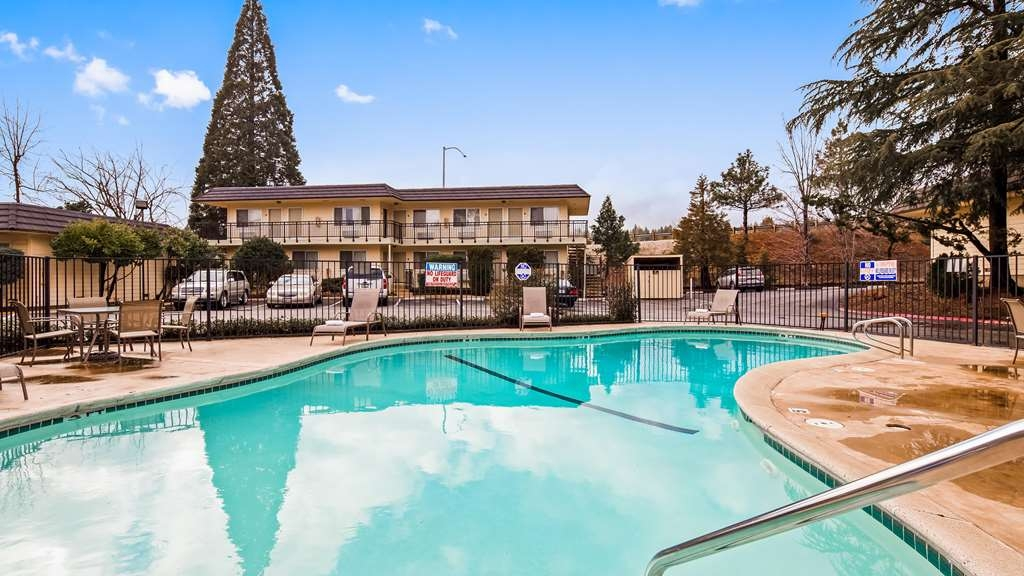 Best Western Gold Country Inn - Piscina