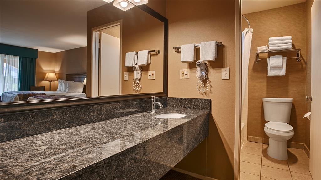 Best Western La Posada Motel - We take pride in making everything spotless for your arrival.
