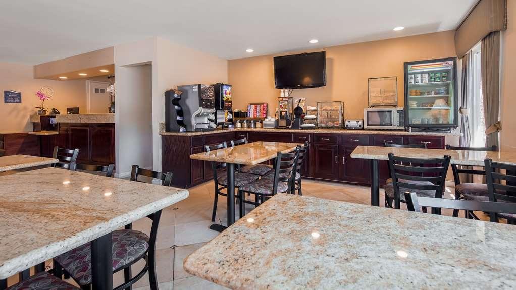 Best Western La Posada Motel - Breakfast Area