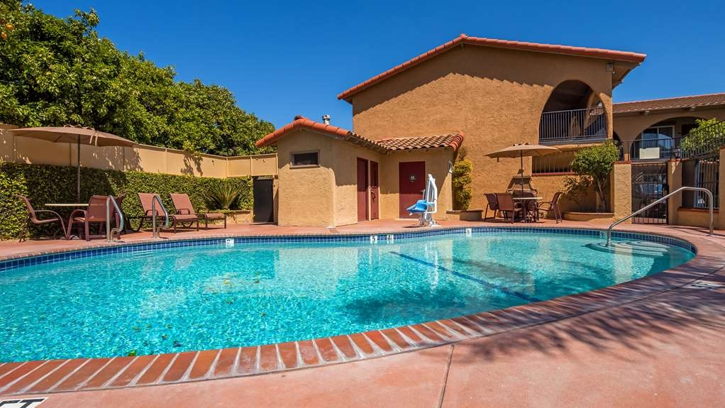 Best Western La Posada Motel - Vista de la piscina