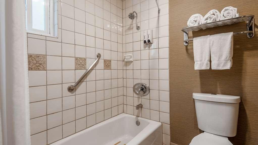 Best Western La Posada Motel - Guest Bathroom