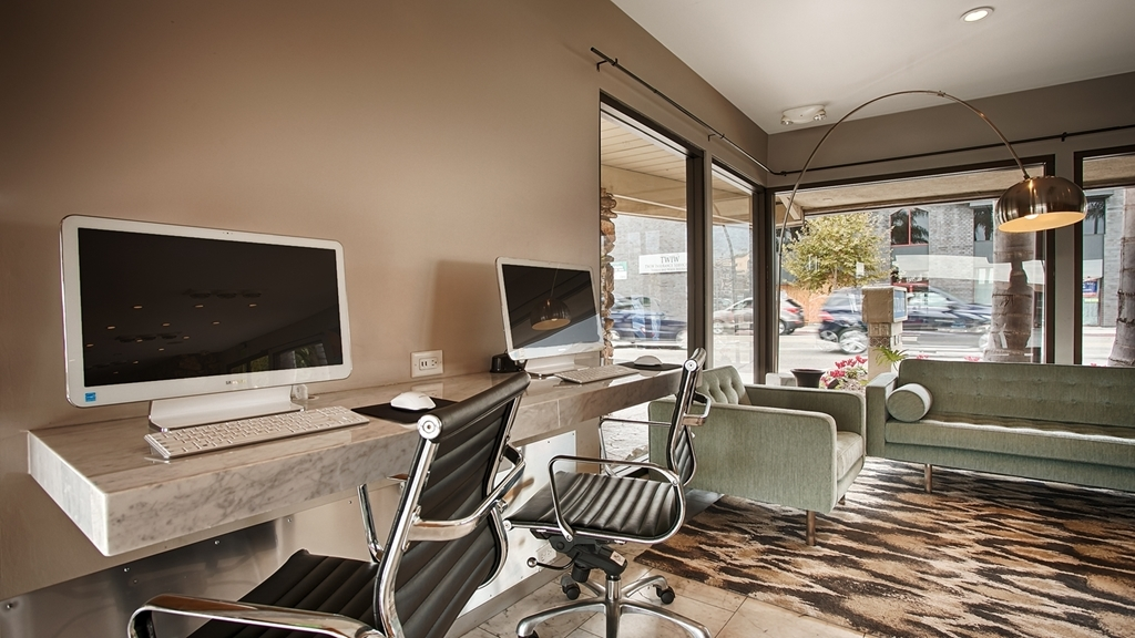 Best Western Plus Inn of Ventura - Stay productive during your time away from home in our business center.