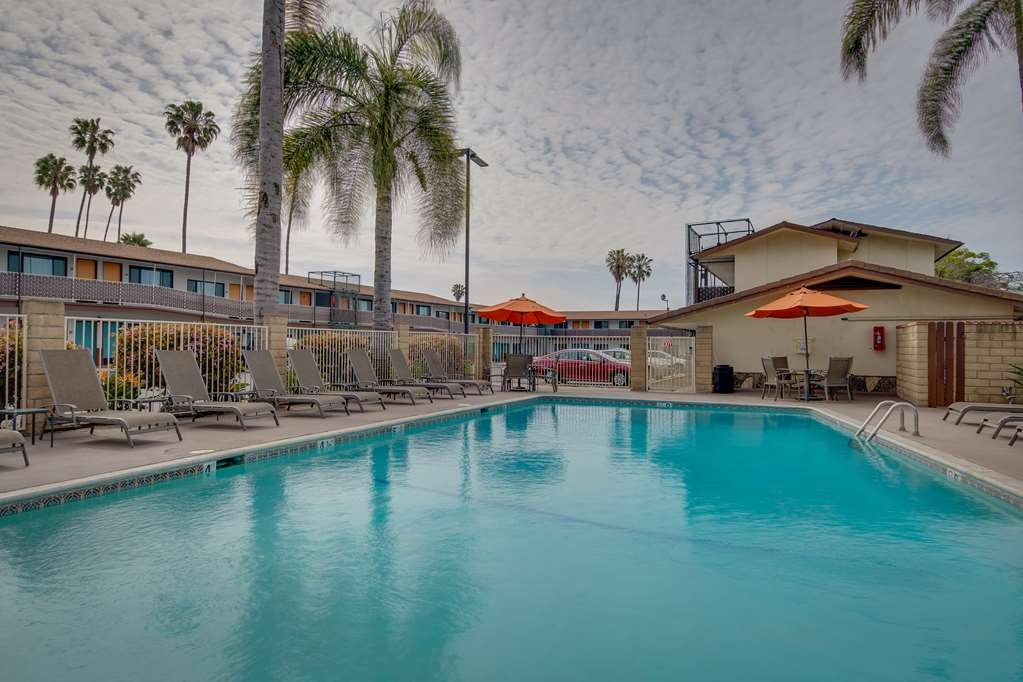 Best Western Plus Inn of Ventura - Vista de la piscina