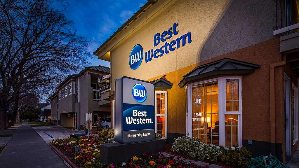 Best Western University Lodge - Area esterna