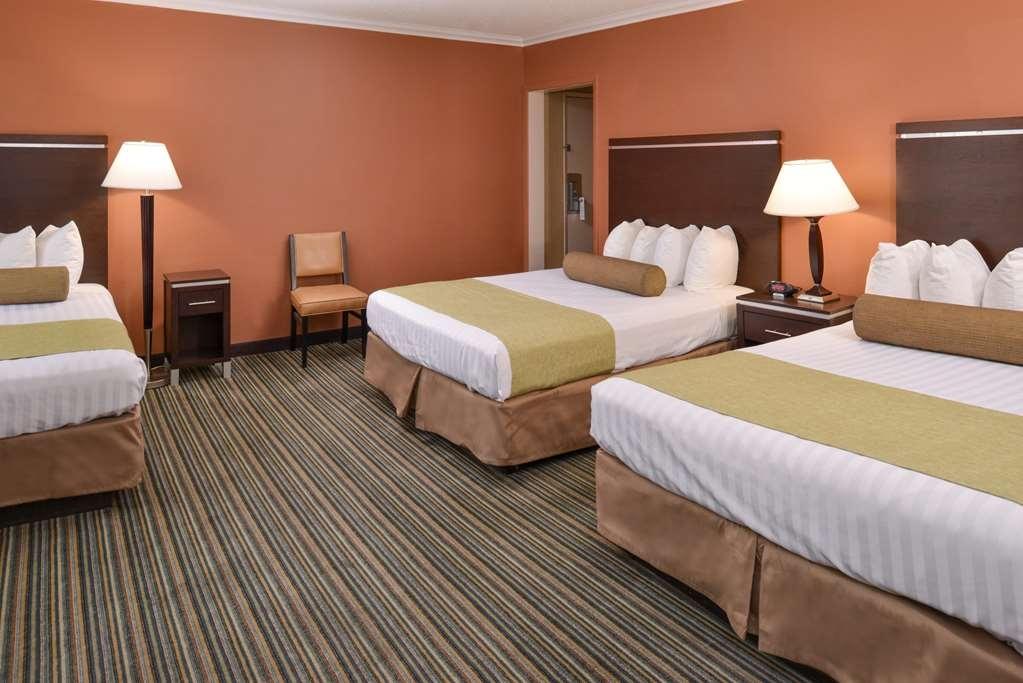 Best Western Courtesy Inn - Gästezimmer/ Unterkünfte