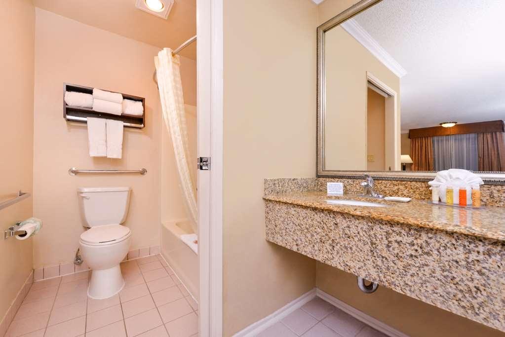 Best Western Courtesy Inn - Badezimmer
