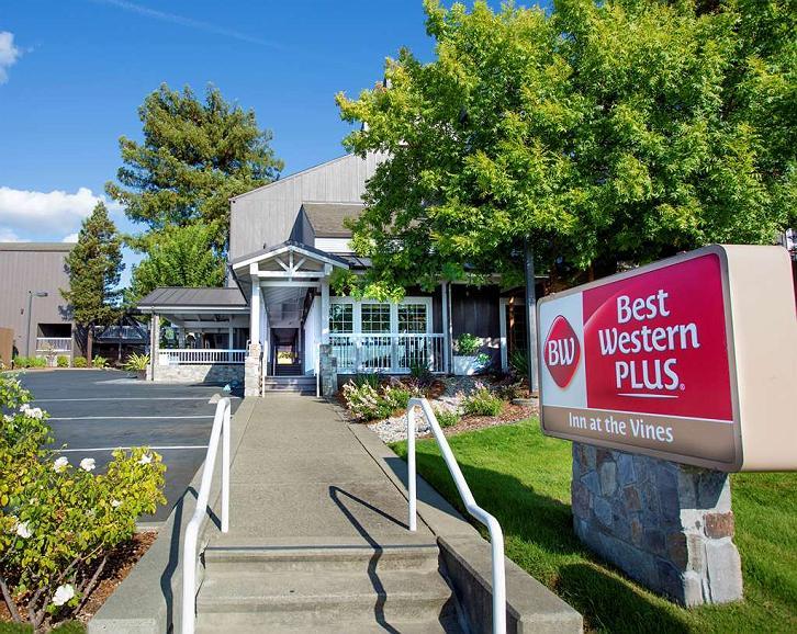 Best Western Plus Inn at the Vines - Area esterna