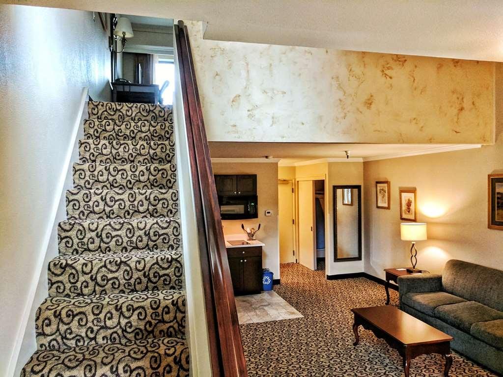 Best Western Plus Inn at the Vines - Suite
