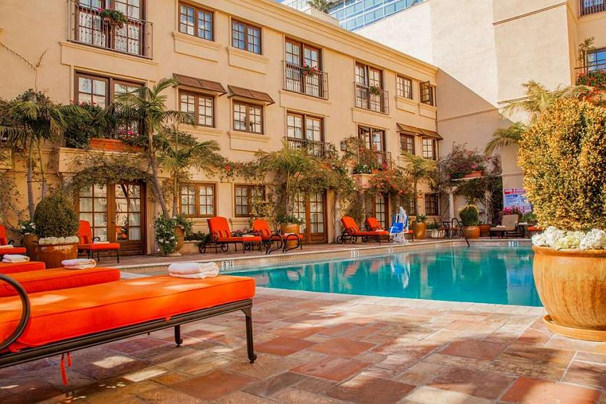 Best Western Plus Sunset Plaza Hotel - Pool Courtyard