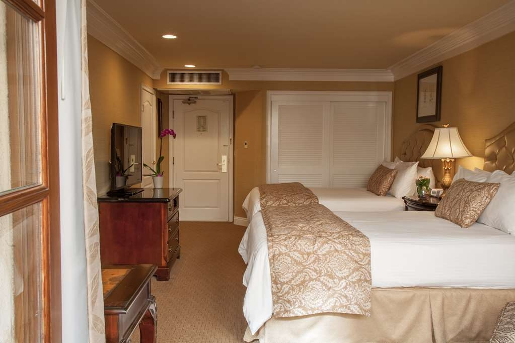 Best Western Plus Sunset Plaza Hotel - Accessible Room with Two Beds