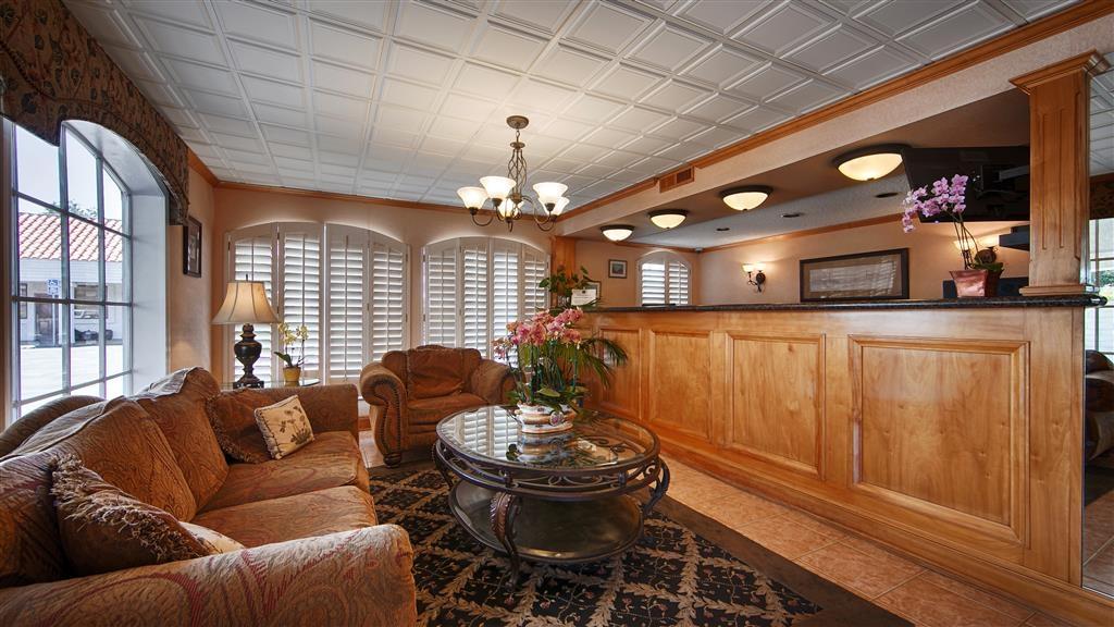 Best Western Camarillo Inn - Vue du lobby