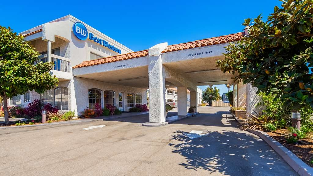 Best Western Camarillo Inn - Facciata dell'albergo